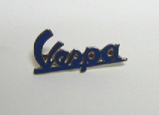 Pin letras Vespa azul