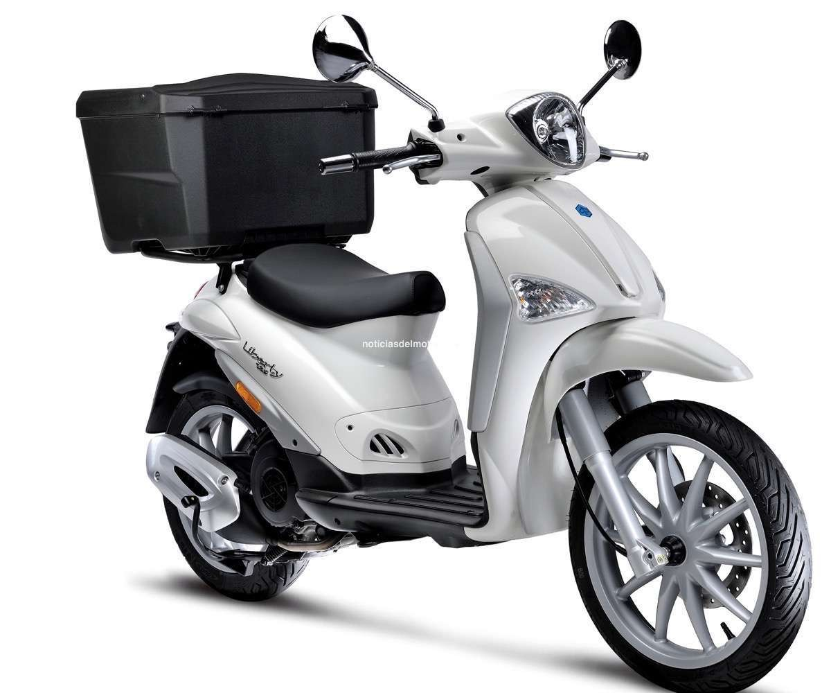 PIAGGIO LIBERTY DELIBERY 125 CBS 4S E4 Lat Dx SR Top Box